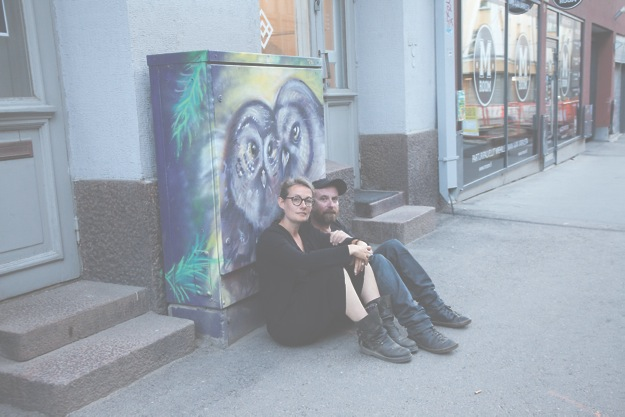 Isabelle Frémeaux ja John Jordan Helsingin Myymälä2-galleriassa pidetyn luennon jälkeen. KUVA: Jari Tamminen