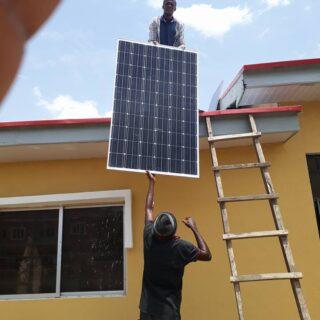 Aurinkoenergia kiinnostaa yrityksiä Nigeriassa