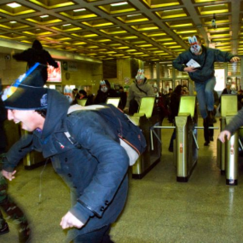 Jänikset valtasivat Pietarin metron