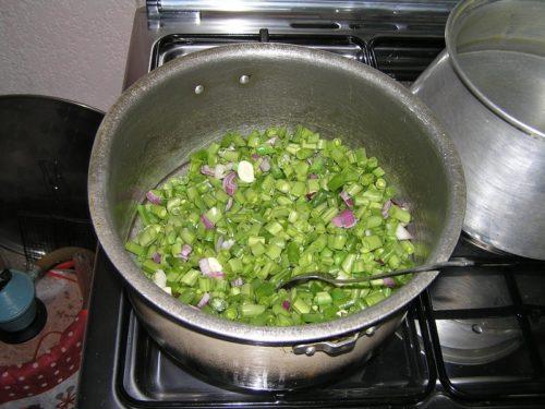 Vihreät pavut & riisi iranilaiseen tapaan
