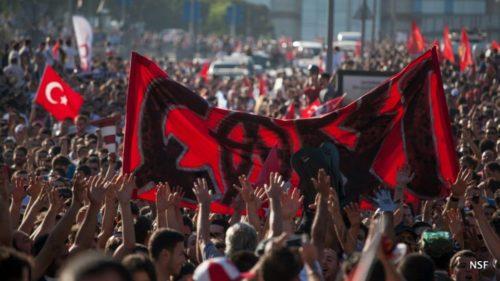 Istanbulin mielenosoitukset yltyvät