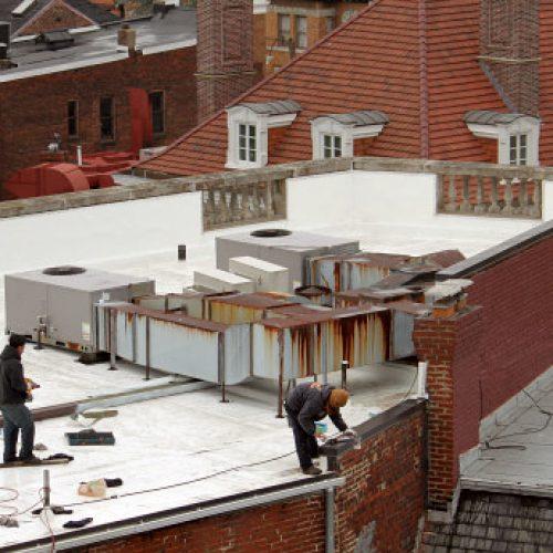 Vihreää energiaa, valkeita kattoja