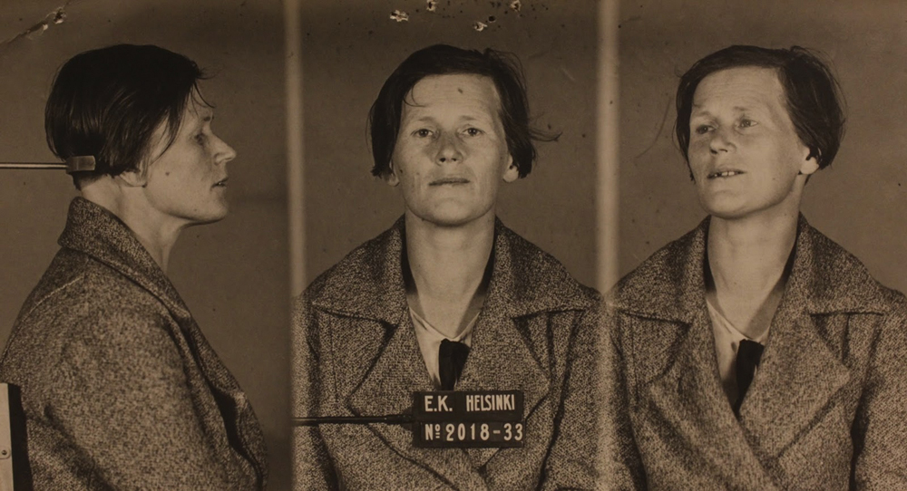 Etsivä Keskuspoliisin pidätyskuva Martta Koskisesta elokuussa 1933.