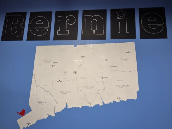 Sanders voitti esivaalin Connecticutissa.