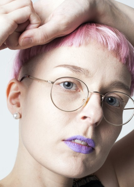 """""""Nuorimmaiselle tuli huomattavasti suurempi kriisi siitä, kun mä leikkasin mun hiukset. Se oli kamalaa ja tavallaan ihan söpöä."""""""