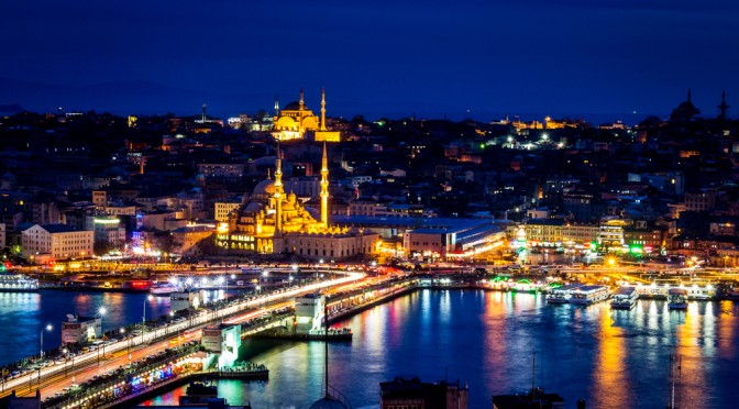 Istanbul_at_night_