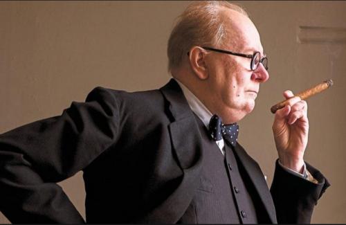 Paluu Churchillin varjoon