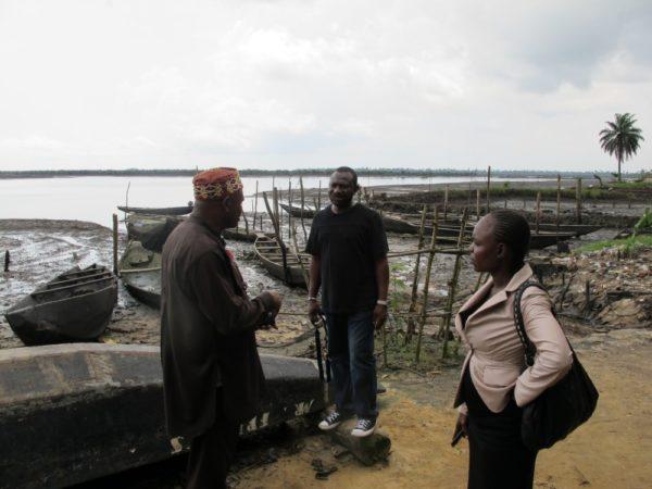Ogonipäällikkö Saint Emma Pii, yhteyshenkilömme Port Harcourtissa Kentebe Ebiaridor ja journalisti Blessing Mbonu Ibunge.