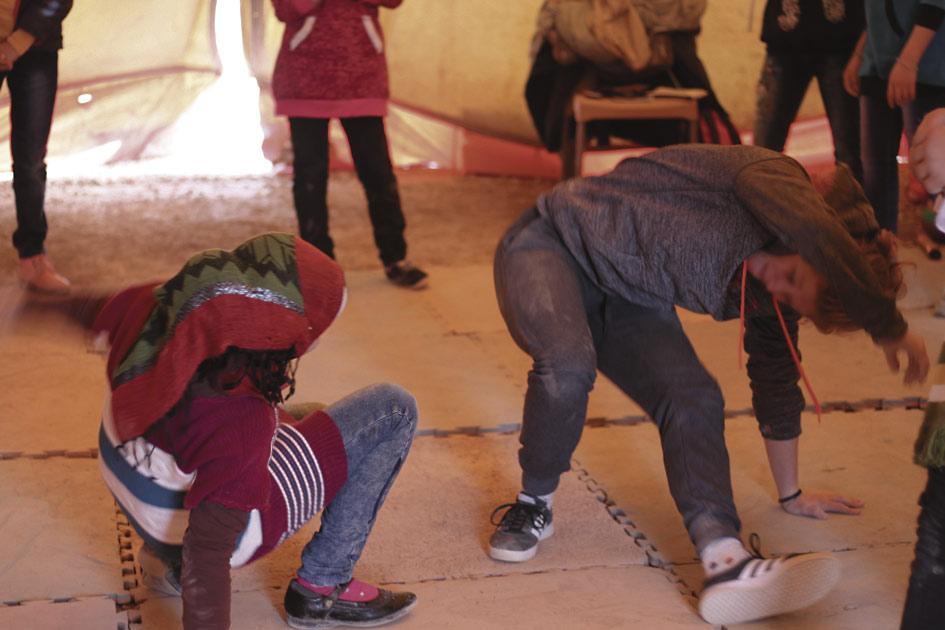 """Capoeira-peli tapahtuu """"rodassa"""",  ringissä muiden ympäröimänä."""