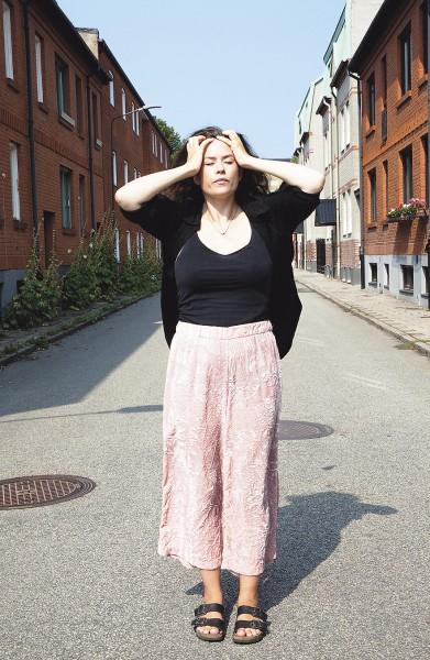 Liv Strömquist kotikulmillaan Malmössa.