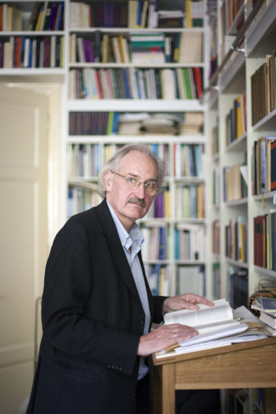 Axel Honneth, geb. 1949, deutscher Philosoph, Schueler von Juergen Habermas, Leiter des Instituts fuer Sozialforschung an der Goethe-Universitaet in Frankfurt am Main | Axel Honneth, born in 1949, German philosopher, managing director of the Institute of Social Research at Goethe University in Frankfurt on Main | Axel Honneth, né en 1949, directeur de l'institut de recherche sociale de l'université Francfort