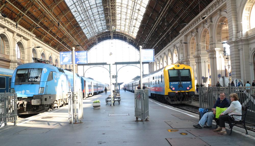 release date: ba997 9effc Kolme vuotta sitten Keleti-rautatieasema Budapestissä toimi pakolaiskriisin  kuuluisana näyttämönä, kun tuhansien Itävaltaan pyrkineiden pakolaisten  matka ...