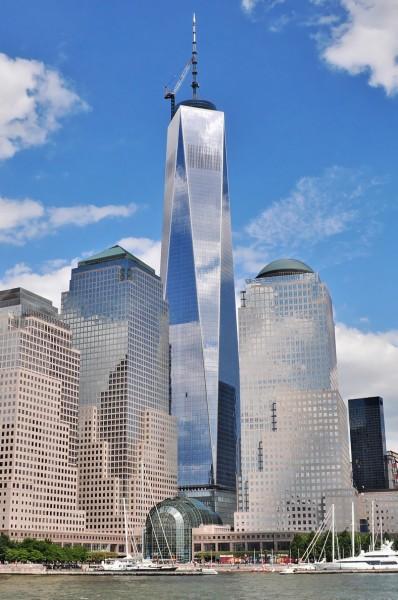 Vuonna 2014 valmistunut One World Trade Center on ensimmäinen sortuneiden tornien tilalle nousseista rakennuksista.
