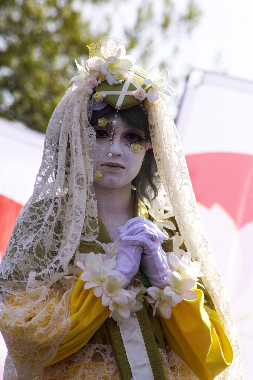 Jo perinteeksi muodostuneessa pukukisassa nähtiin niin cosplayta kuin katumuotiakin.