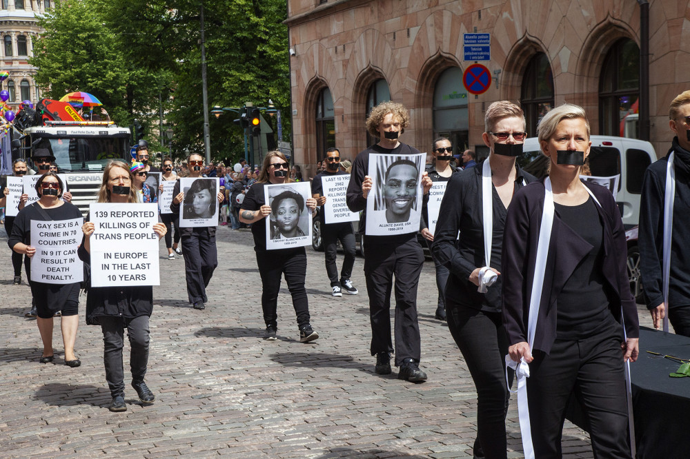 Ryhmä kunnioitti ihmisiä, jotka olivat kuolleet seksuaalisuutensa vuoksi.