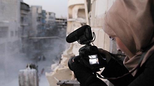 Syyrialainen For Sama -dokumentti kuvaa viiden vuoden ajalta Aleppon sekasortoista arkea