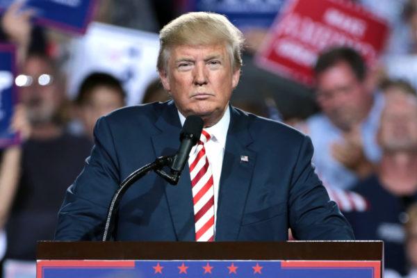 Tätä agendaa taustoitti järjestöjen tiivis yhteistyö Yhdysvaltojen republikaanisen hallituksen kanssa sekä uusliberaalin talousideologian.