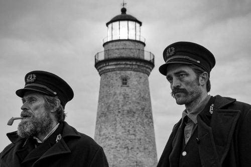 Mustavalkoiselle filmille valotettu The Lighthouse on autenttinen kuvaus hulluudesta