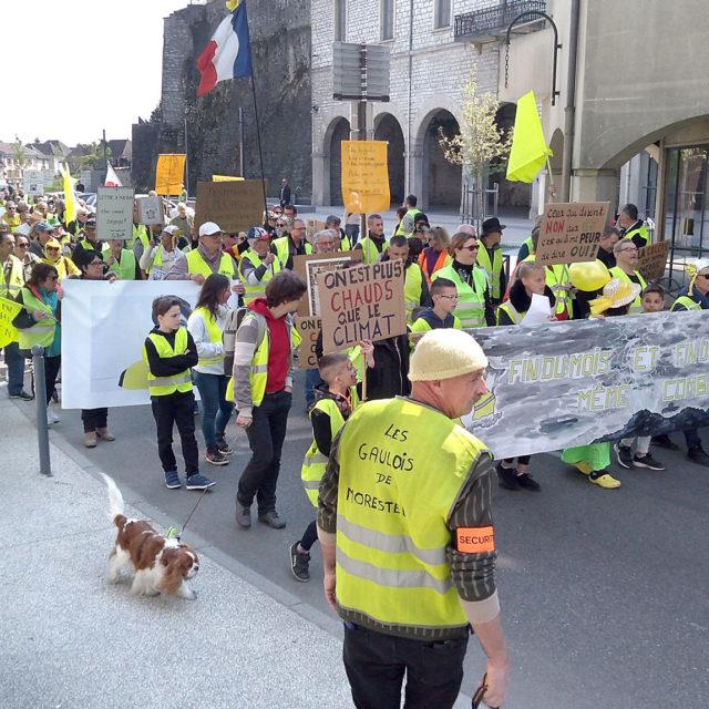 Keltaliivi is not Dead - vuoden aikana Ranskan keltaliivien toiminta on kaventunut, mutta liike elää yhä