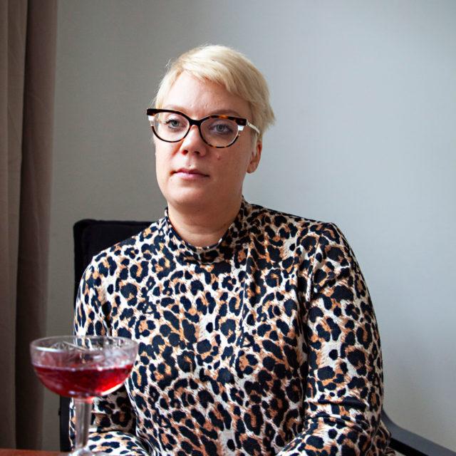 Alkoholittomuus jäi päälle. Sarjakuvataitelija Emmi Valve nauttii elämästä ilman alkoholia