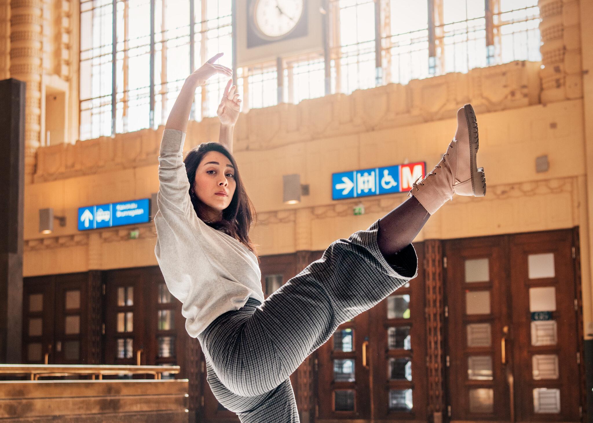 Tanssija Angela Aldebs haaveilee Syyrian kulta-ajasta, joka oli ennen al-Assadien valtaannousua