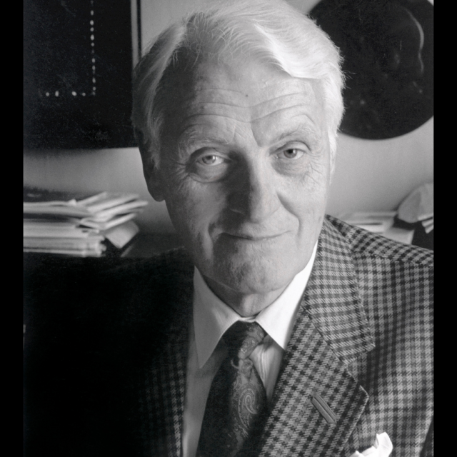 Kaniinin hoitokirjakin kertoo paljon, tiesi Heikki A. Reenpää (1922–2020)