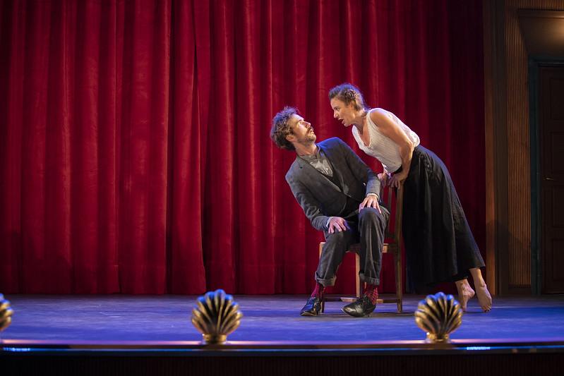 Tomi Alatalo ja (Cécile Orblin Harhama-näytelmässä.
