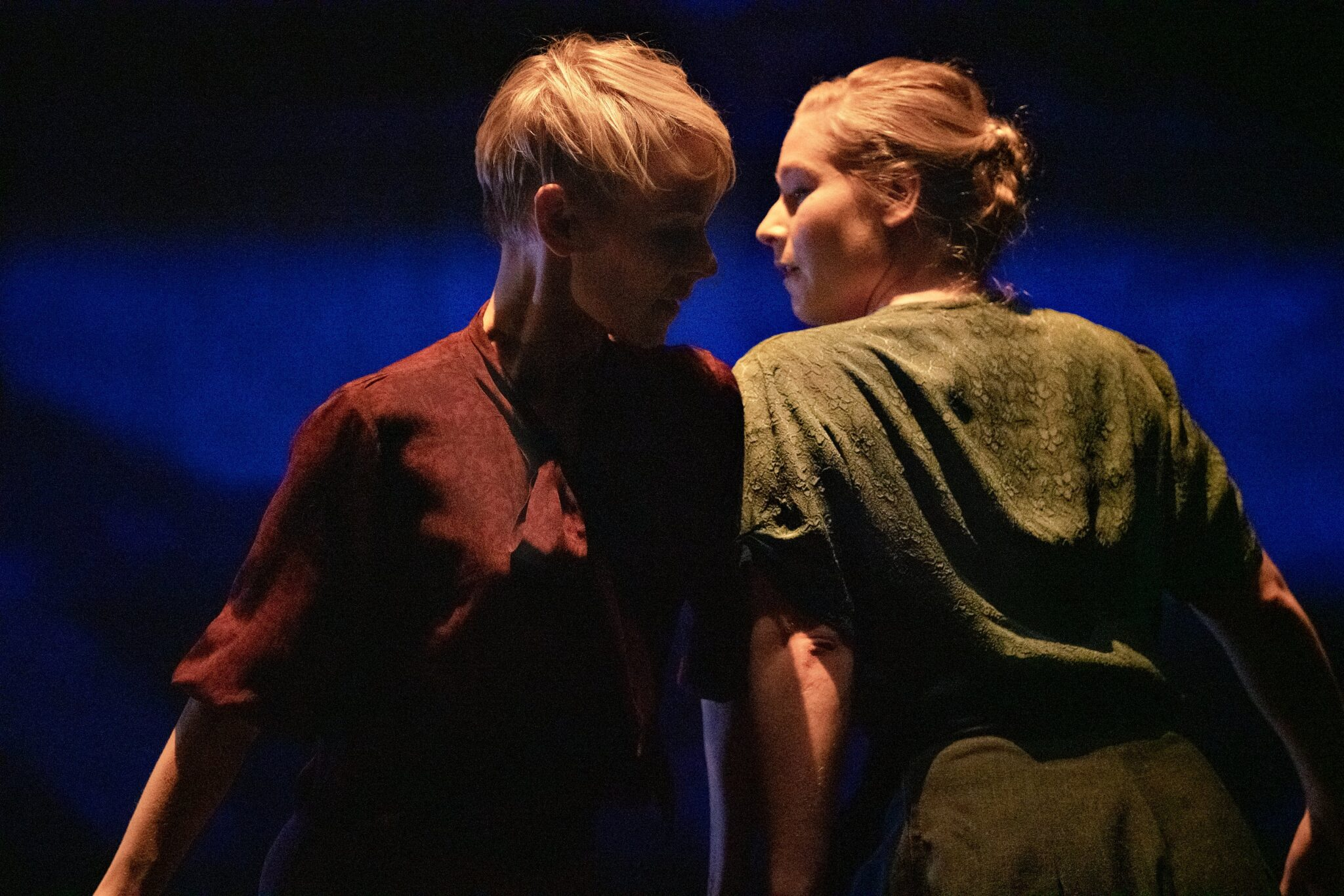 Tanssiteatteriesitys osoittaa kuinka tanssi ei pysähdy yhteiskunnan rajoituksiin eikä teknisiin pulmiin
