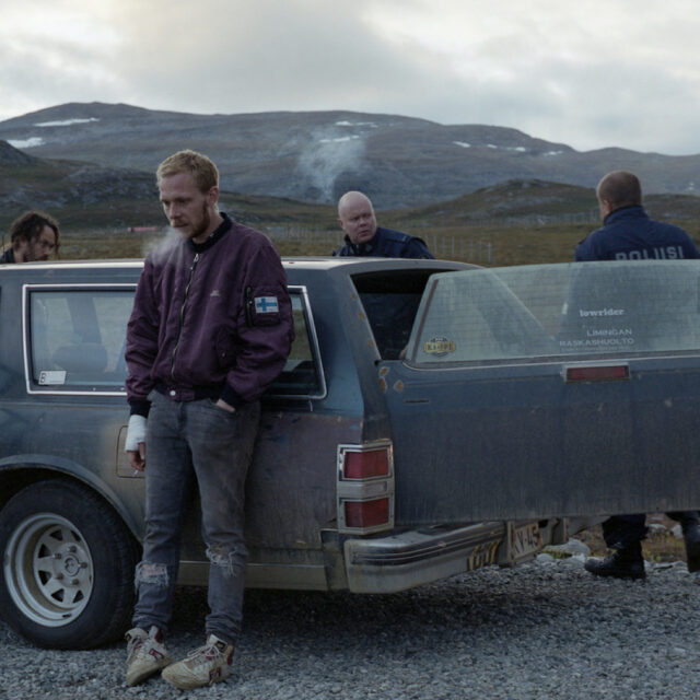 Westerniä Lappi-mystiikkaan yhdistelevä Viimeiset on lattea ja stereotyyppeihin sortuva elokuva