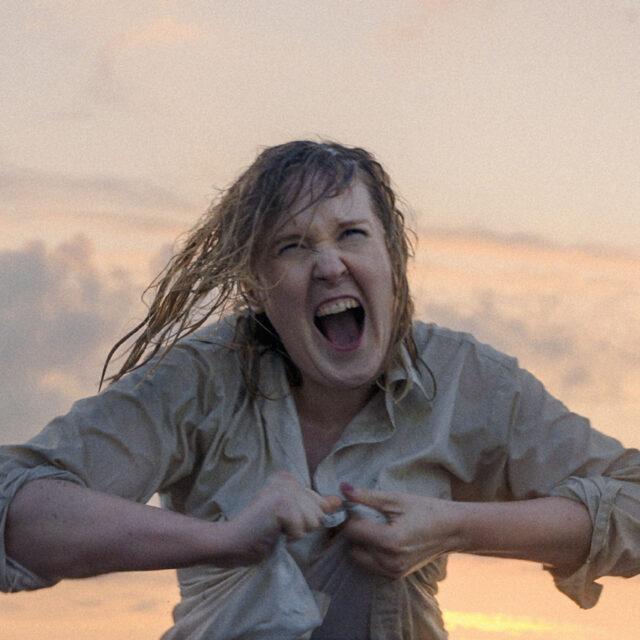 Ohjaaja Hannaleena Hauru purkaa rakkauden kuvaamisen rakenteita elokuvassaan Fucking with Nobody