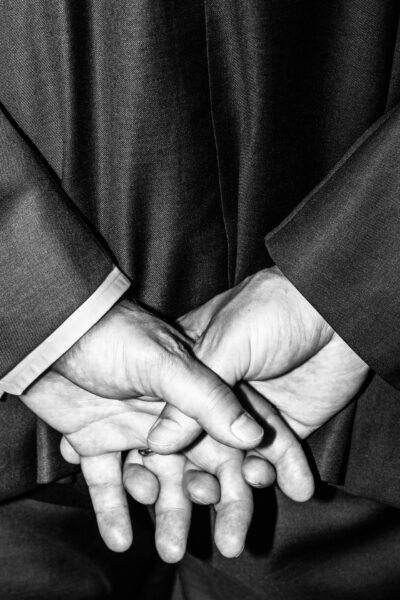 Valtioneuvoston kanslian kuvaajana työskennelleen Sakari Piipon kuvissa näkyy valta ja kuvien valta