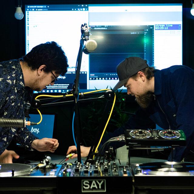 Radiota omalla tyylillä ja ilman soittolistoja: SAYFM kuuluu suorana joka päivä tulostavoitteista piittaamatta