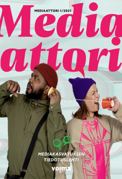 """Mediaattorin kansi: Seksikäs-Suklaa ja Rauhatäti seisovat selät vastakkain, puhuvat kipoista ja narusta tehtyyn """"puhelimeen""""."""